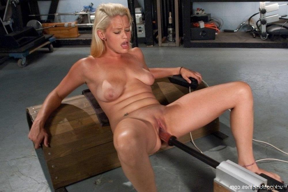Freundin Vollbusige Sexmaschine Gloryhole